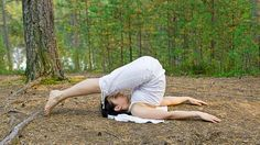 Do you want to looking for yoga for glowing skin and beautiful face? Here we have 14 best yoga poses for glowing skin and glowing face. Yoga For Face Glow, Face Yoga, Physical Fitness, Yoga Fitness, Physical Exercise, Yoga For Knees, Yoga For Diabetes, Ramdev Yoga, Tejidos