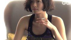 榮倉奈々さん主演の映画『娚(おとこ)の一生』では、豊川悦司さん演じる初老の大学教授が榮倉さんの足にキスをする印象的なシーンがある。そこで「足」をテーマに、彼女の魅力を表現することを試みた。