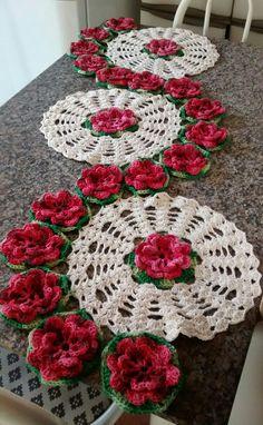 Caminho de mesa c/ flores
