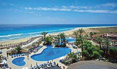 Iberostar Playa Gaviotas  Fuerteventurá a Kanári-szigetek egyik csodálatos szigeté, ahol az év több mint 300 napja napsütéses.  #nyár 2014 #spanyolország #Fuerteventurá #Kanári-szigetek Tenerife, Wonders Of The World, Golf Courses, Outdoor Decor, Travel, Viajes, Teneriffe, Destinations, Traveling