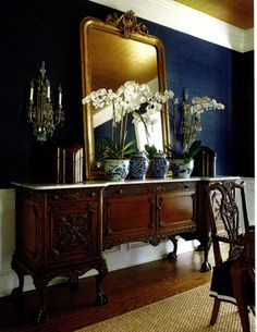 "Megan Winters; blue with brio; Traditional Home, April 2014.  ""Haruki Sisal"" by Schumacher covers the walls."