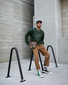 Formal Casual, Men Casual, Casual Styles, Outfit Hombre Formal, Black Men Street Fashion, Sneaker Trend, Sneakers Mode, Sneakers Fashion, Streetwear