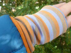 Anleitung: Armstulpen aus Shirt Resten nähen. Schnell und einfach sewing DIY Nähen Upcycling Farbensause bunt Stoffreste