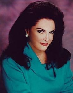 Not only is Connie Francis a highly acclaimed singer, she is also a visual treat. Here are a collection of photos of the world's most beautiful singer. Also included are photos of some of the people that have been an important part of her career. Connie Francis, Pop Musicians, Diahann Carroll, Solo Music, Liza Minnelli, Linda Ronstadt, Women Of Rock, Ann Margret, Glamour Shots