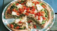 Pizza de cebolinha com atum