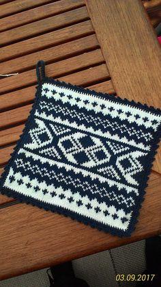 Grytlapp med bjärbobård Knitting Projects, Knitting Patterns, Norwegian Knitting, Fair Isle Knitting, Potholders, Double Knitting, Christmas Diy, Knit Crochet, Diy And Crafts