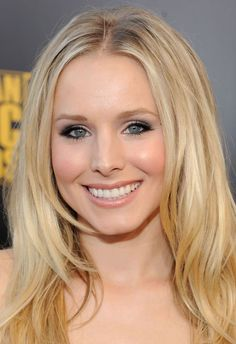 Red Carpet Makeup: 2009 American Music Awards | Makeup For Life - Beauty Blog, Makeup Tutorials, Reviews, SwatchesMakeup For Life – Beauty Blog, Makeup Tutorials, Reviews, Swatches