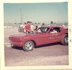 Mustang Funny Car. Funny cars wz my thing back when Steve Mcgee wz runnin, my boyfriends dad. Fun memories.