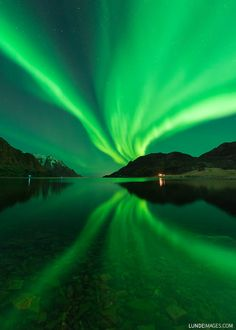 """Bright Aurora in Norway  Øystein: """"The weather was nice so I decided to look for some Northern Lights. I got to see a short, but very nice show on the sky.""""  Credit: Øystein Lunde Ingvaldsen Øystein's website: LundeImages.com Date: January 6, 2016"""