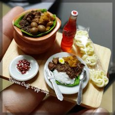 If there is one dish that truly distinguishes Yogyakarta, it would be none other than Gudeg a very sweet dish made from jackfruit, cooked with palm sugar #clay #miniaturclay #miniatur #miniaturmurah #miniature #clayminiature #claycraft #mini #tinyfood #fakefood #clayfood #foodminiature #handmadeclay #jualclay #claymalang #jualminiatur #jualkado #koleksiminiatur #airdryclay #crafting #hobbies #graceclay #handmadecraft#reinveesproducts