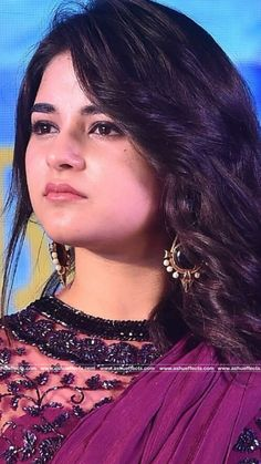 Zaira Wasim Mobile Full Screen Wallpapers – by nida Stylish Girl Images, Stylish Girl Pic, Bollywood Girls, Bollywood Actress, Most Beautiful Indian Actress, Beautiful Actresses, Beauty Full Girl, Beauty Women, Zaira Wasim