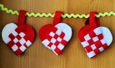 Weaving Danish Heart Baskets for Jul - Radmegan--Making these woven hearts is a great craft for kids, and a really festive decoration. I like making mine out of felt so I can use them year after year, but I know lots of people make them out of construction paper- so whichever you have handy is great.
