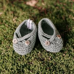 👟These boots are made for walking on sunshine 🌞 Baby Shoes, Pure Products, Knitting, Kind, Merino Wool, Cute, How To Make, Sunshine, Handmade