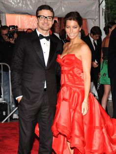 Pin for Later: Remember When These Celebrity Couples Went Public For the First Time? Justin Timberlake and Jessica Biel in 2009