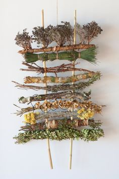 Weaving by Monica Guilera and Tim Johnson, work in progress, diverse plant mater. Weaving by Monic Weaving Projects, Weaving Art, Tapestry Weaving, Art Projects, Weaving Textiles, Loom Weaving, Art Floral, Deco Floral, Art N Craft
