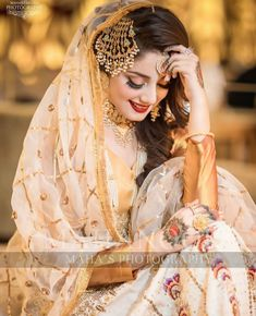 Abdullha Pakistani Bridal Makeup, Indian Wedding Makeup, Indian Bridal Outfits, Desi Wedding, Muslim Wedding Dresses, Muslim Brides, Bridal Dresses, Beautiful Girl Photo, Beautiful Bride