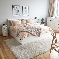 Teen Girl Bedrooms - Delightful and breathtaking bedroom decor ideas and plans. Need to see incredible concept number 5943229538 Teen Bedroom Designs, Bedroom Decor For Teen Girls, Small Room Bedroom, Room Ideas Bedroom, Home Decor Bedroom, Girl Bedrooms, Bedroom Ideas For Small Rooms For Teens For Girls, Teen Bedroom Inspiration, Cozy Teen Bedroom