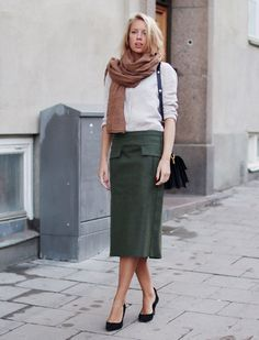 love everything about this look (&skirt length)