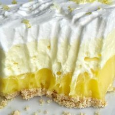 This easy & simple no bake triple layer lemon pudding pie is the perfect summertime dessert! You only need 5 ingredients for a sweet and creamy lemon pudding pie that is no bake and so simple to make. Pudding Desserts, Pudding Pies, Banana Pudding, Banana Bread, Lemon Pudding Pie Recipe, Pie Recipes, Dessert Recipes, Pie Dessert, Gourmet Desserts