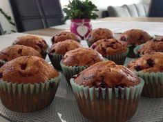 Ribizlis muffin – a hozzávalókat keverd össze, tedd a sütőbe és nagyjából 20 perc alatt kész is a finomság!