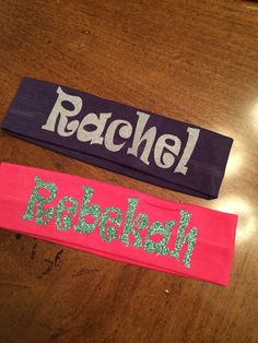 These adorable cotton headbands can be personalized with a monogram or name. Plain or glitter vinyl. Big Sister Little Sister, Little Sisters, Silhouette Projects, Silhouette Cameo, Cheer Extreme, Cricut Monogram, Cute Shirt Designs, Spirit Gifts, Diy Gifts