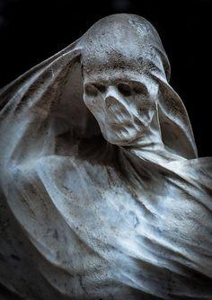 The grave of Spanish industrialist and politician Nicolau Juncosa by sculptor Antoni Pujol. The sculpture is located at the Montjuïc Cemetery in Barcelona Cemetery Statues, Cemetery Art, Angel Statues, La Danse Macabre, Arte Obscura, Creepy Art, Horror Art, Skull Art, Dark Art