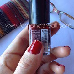 Unhas combesmalte Preta Gil cor I love NY. Nails, nail polish