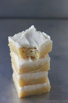 Melted white chocolate chips is the secret to these amazing vanilla brownies! - bakedinaz.com for classyclutter.net