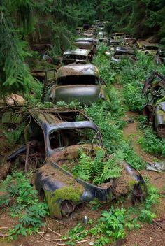 LegendeZurbaine | Le cimetière de voitures de chatillon
