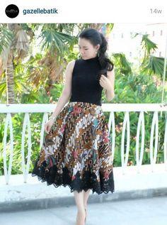 62 Ideas Dress Indian Style Patterns For 2019 Dress Brokat, Kebaya Dress, Batik Kebaya, Rok Batik Modern, Blouse Batik Modern, Batik Fashion, Ethnic Fashion, Indian Fashion, Lolita Fashion