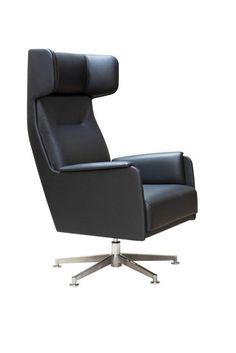 Möbelschweiz Product Pick: Wing Hochlehner von Dietiker Der Wing Chair ist der perfekte Sessel für entspannte Stunden. Mit seinem breiten Rücken, gegurtetem Sitz und Dietiker Komfortpolsterung vermittelt der Sessel Gemütlichkeit und bietet optimalen Sitzkomfort. Die Füsse sind aus Massivholz in Buche oder Eiche erhältlich #interiordesign #design #interior #homedecor #home #decor #interiors #furnituredesign #homedesign #style #interiorstyling #interiordecor #architecture #livingroom… Home Design, Interiordesign, Interior S, Eames, Lounge, Furniture, Chair, Home Decor, Inspiration
