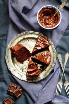 La tana del coniglio: Torta al cioccolato e patate dolci con frosting al cioccolato e crème fraiche