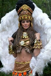 It would be so fun to go to Carnival in Brazil and dress like this! First step - Make my stomach look like her stomach! lol