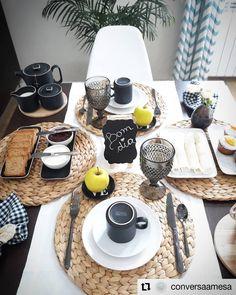 Trendy Ideas For Brunch Cafe Interior Breakfast Brunch Mesa, Brunch Cafe, Brunch Drinks, Brunch Food, Brunch Party, Brunch Recipes, Comment Dresser Une Table, Breakfast Table Setting, Table Set Up