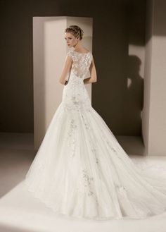 La mariée (dos) on Pinterest  Lace Back, Robes and Claire Pettibone