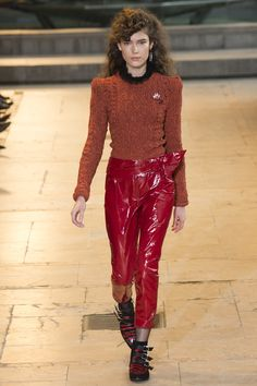 Isabel Marant Fall 2016 Ready-to-Wear Fashion Show - Zuzu Tadeushuk