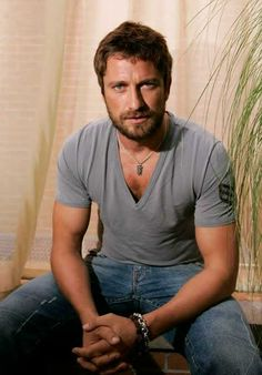 Just when you think Gerard Butler can't get any hotter...he grows his beard out...