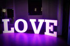 Wypożyczenie napisu love wesela sesje zdjęciowe eventy zaręczyny www.fabrykaslubu.pl tel 661619065