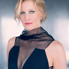 """Mi piace"": 201, commenti: 5 - ⠀⠀⠀⠀⠀⠀⠀⠀⠀TEAM ANNA GUNN (@team.annagunn) su Instagram: ""#annagunn #equity #skyler #skylerwhite #gracepoint #photoshoot #beauty #blackdress #blueeyes #wcw…"""