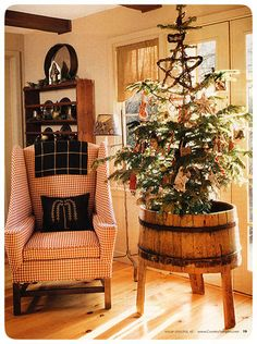 ~` country christmas `~ This gives me a great idea for a tree I brought back from my friends house in Michigan!!!  I have an old washtub ready.