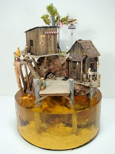 diorama ideas This is a very old scale miniature pier / dock scene by Ann Maselli. There are fish and tons of sea life in the solid clear resin base. I think the yellow tint might b Miniature Crafts, Miniature Houses, Miniature Dolls, Vitrine Miniature, Tiny World, Miniture Things, Fairy Houses, Resin Art, Scale Models