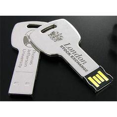 CHIAVE USB mod. UDF622, a forma di chiave, in metallo.  A PARTIRE DA 1.000 PZ.