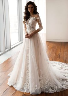 2019 Wedding Dress Trends #wedding #weddingdress #bride #brides #trends #fashion #fashionactivation