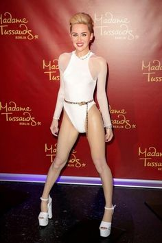 Miley's new wax figure at Madame Tussauds Wax Museum