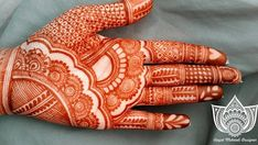 Henna is the most traditional part of weddings throughout India. Let us go through the best henna designs for your hands and feet! Cool Henna Designs, Indian Henna Designs, Latest Bridal Mehndi Designs, Full Hand Mehndi Designs, Modern Mehndi Designs, Mehndi Designs For Beginners, Mehndi Designs For Girls, Mehndi Design Photos, Wedding Mehndi Designs
