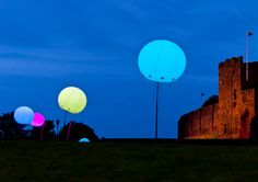 Check out this art installation in England in which 400 balloons with LED lights inside them were released at night. The colors of the balloons are caused by messages sent by people around the worl…