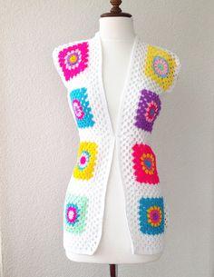 Sleeveless+Granny+Square+White+Crochet+Jacket+von+Modenschau+auf+DaWanda.com