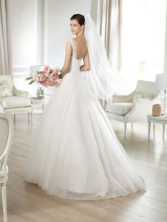 JAILYN / Wedding Dresses / White One 2014 Collection / San Patrick (back)