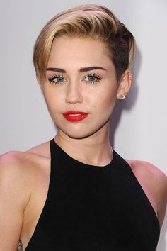 "Miley Just Released the Album Art for ""Adore You"" and You're Going to Be Shocked When You See It"
