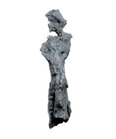 Fragmentarycznie zachowany (ok. 5 cm) żelazny grocik strzały (X-XII w.). Stan zachowania zabytku jest słaby, mimo to można powiedzieć o nim coś konkretnego. Grocik posiada tulejkę, dzięki której nakładano go na drewniany promień strzały. Liść grocika, czyli ta jego część, która bezpośrednio raziła cel, jest płaski, stosunkowo szeroki i pozbawiony zadziorów. Poland, Cities, Lion Sculpture, Statue, Art, Craft Art, City, Kunst, Gcse Art